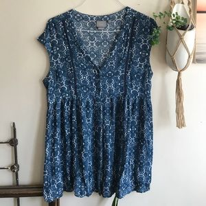 Anthropologie blue floral tunic button down